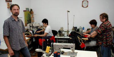 FOTO O afacere nascuta dintr-un hobby: arta croitoriei de pe vremea lui Cuza, reinventata in Centrul Vechi al Brailei