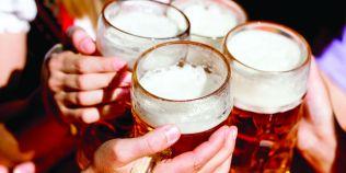 Studiu: O bere pe zi stimuleaza fertilitatea masculina