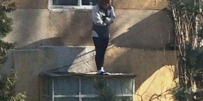 Tanara din Constanta care a sarit de la balcon a fost tinuta inchisa si violata de patru indivizi