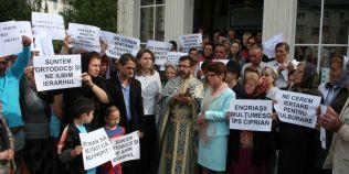 Despre excomunicarile din Vrancea: unii credinciosi cred ca biserica parohiala e afacerea lor privata