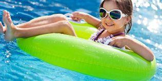 Clorul prezent in apa din stranduri poate creste riscul de alergii