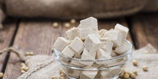 Pericolele consumului excesiv de branza tofu. Unui chinez i-au fost scoase 420 de pietre la rinichi