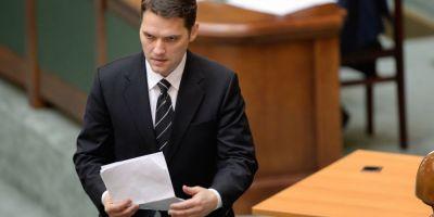 Dan Sova, plasat sub control judiciar, nu are voie sa comunice cu Ponta. Procurorii au extins urmarirea penala asupra sa in dosarul