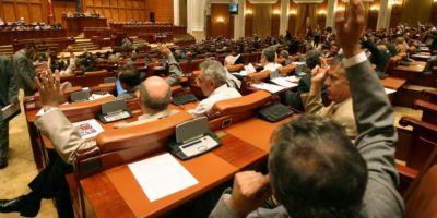 Parlamentarii si-au votat pensiile speciale. PNL il acuza pe Zgonea ca a numarat gresit: