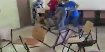 VIDEO Teribilistii din scoala. Elevii unei scoli din judetul Braila, filmati in timp ce vandalizeaza clasa. Parinte: