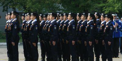 Absolventii de liceu, cu Bacalaureat si permise de conducere, pot aplica la posturile scoase la concurs de Politie