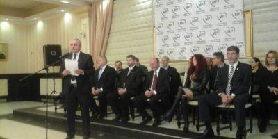 Basescu: Antena 3 parca ar fi la licitatie: cine ii zambeste mai mult. Ma uitam la bietul Iohannis: probabil i-a fost grea traducerea din germana in romana