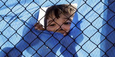 Relocarea refugiatilor reaprinde spiritele in UE. Romania vrea sa stie cum a ajuns Comisia la amenda de 250.000 de euro