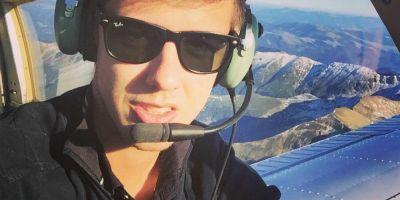 Cum poti ajunge pilot in aviatia civila din Romania. Salariul de incepator este situat intre 2.000 si 2.500 de euro