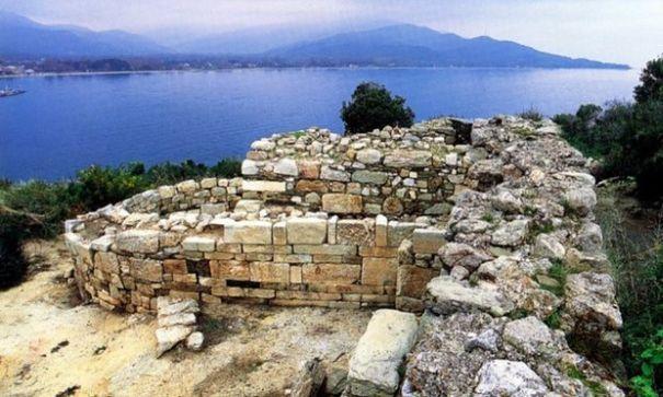 DESCOPERIRE REMARCABILA in Grecia. Arheologii au lucrat timp de doua decenii pentru a scoate la lumina cripta unui mare erudit antic