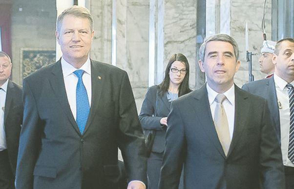Iohannis, criticat dur dupa esecul din Bulgaria. Traian Basescu: