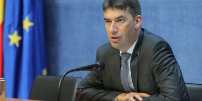 Solutia ministrului de Interne pentru a evita formarea cozilor infernale la permise auto