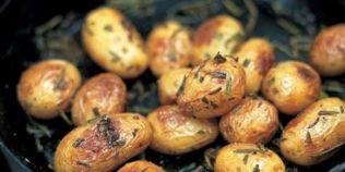 Cartofi copti cu rozmarin. Reteta lui Jamie Oliver