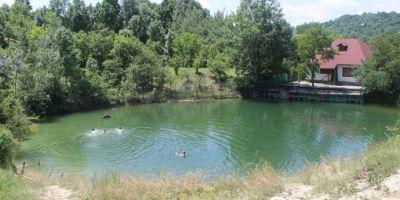 Unde se afla Marea Saracilor, locul idilic din Romania unde te poti racori fara sa platesti taxa de intrare