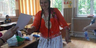 Cum i-a scos din analfabetism pe romi programul