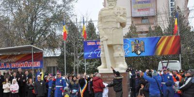 Mihai Viteazul cel Bondoc a fost rapus la Slobozia dupa aproape trei ani de lupte. Ce decizie radicala au luat sefii primariei in privinta statuii hidoase