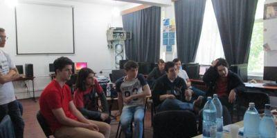 Cum pierde Romania cei mai straluciti elevi la informatica din cauza programei