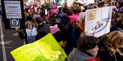 Sute de mii de persoane au participat la Marsul Femeilor in SUA, la un an de investitura lui Donald Trump
