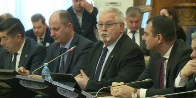 Anton Anton, ministrul Energiei: Suntem in discutii foarte serioase cu niste investitori. Alaltaieri au fost pe-aci. M-am intalnit... I-am vazut in lift
