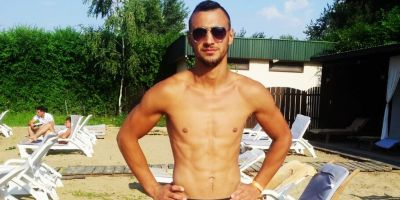 Moartea fulgeratoare a unui sportiv de kickboxing. A picat secerat in propria curte